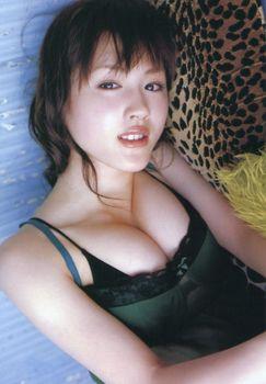 綾瀬はるか 画像 (19).jpg