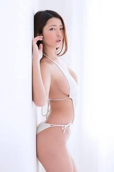 黒木桃子 画像 (8).jpg